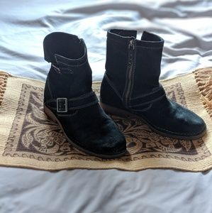 Hush puppies black suede ankle boots